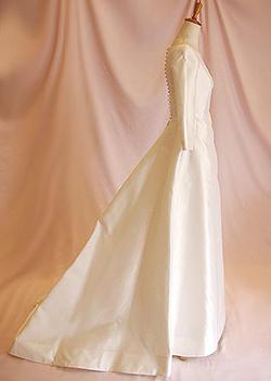 クラッシックな七分袖丈のマリエ ミカドシルク ブランシュ・ネージュ