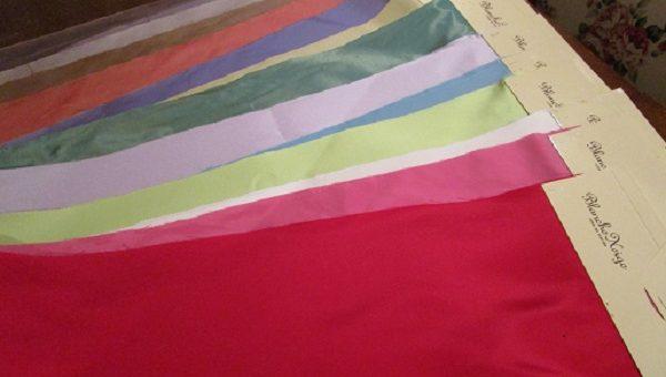 シルクのカラードレスをフルオーダーでお仕立てします。